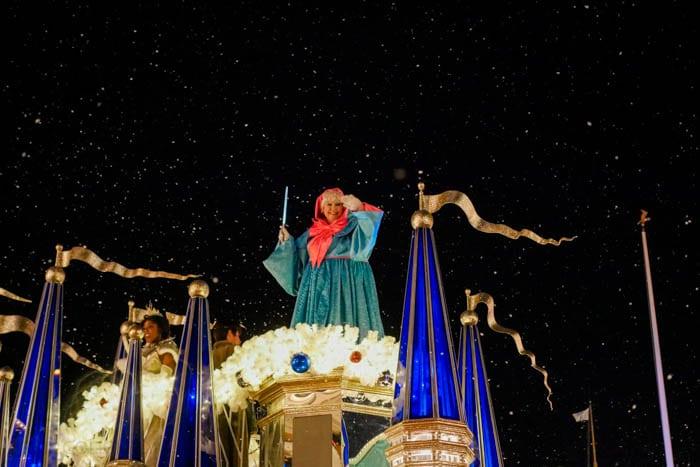 disney-very-merry-christmas-6-of-34