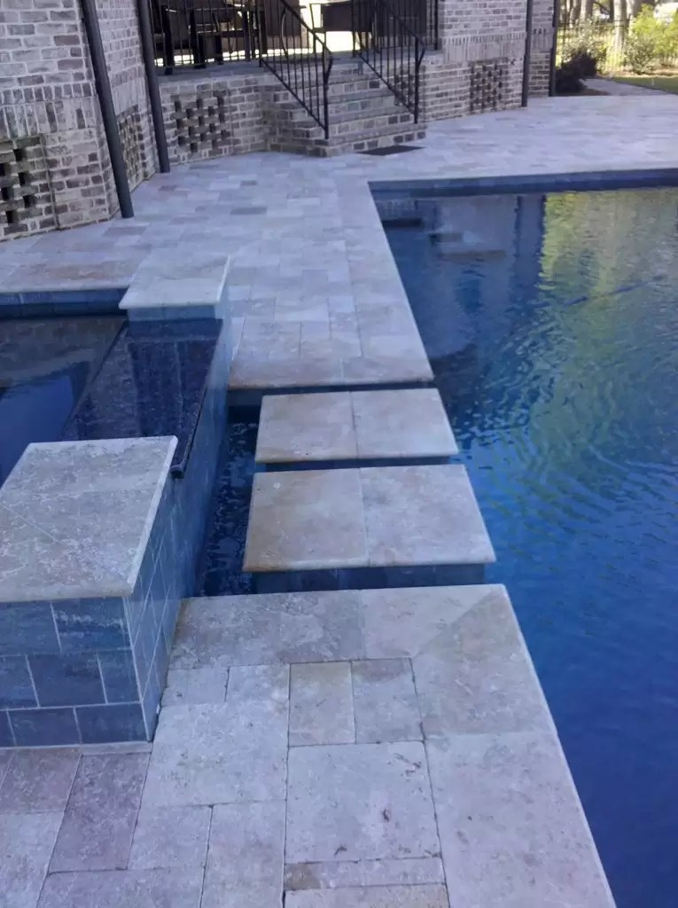 Swimming Pool Shape Scenic View Geometric Pool Spa Combo With Stone Steps