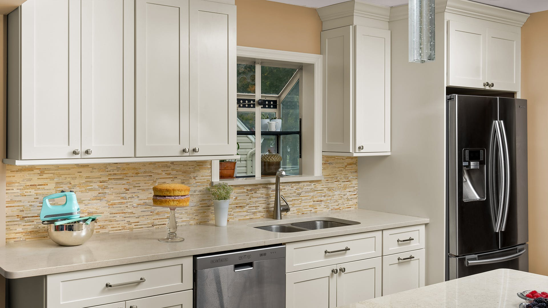 Fabuwood Allure Galaxy Linen Kitchen Cabinets Distinctive Design