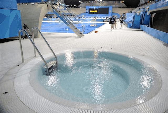 Jacuzzi Pool Ladder Why Do Olympic Divers Use Hot Tubs After Dives? - Aqua