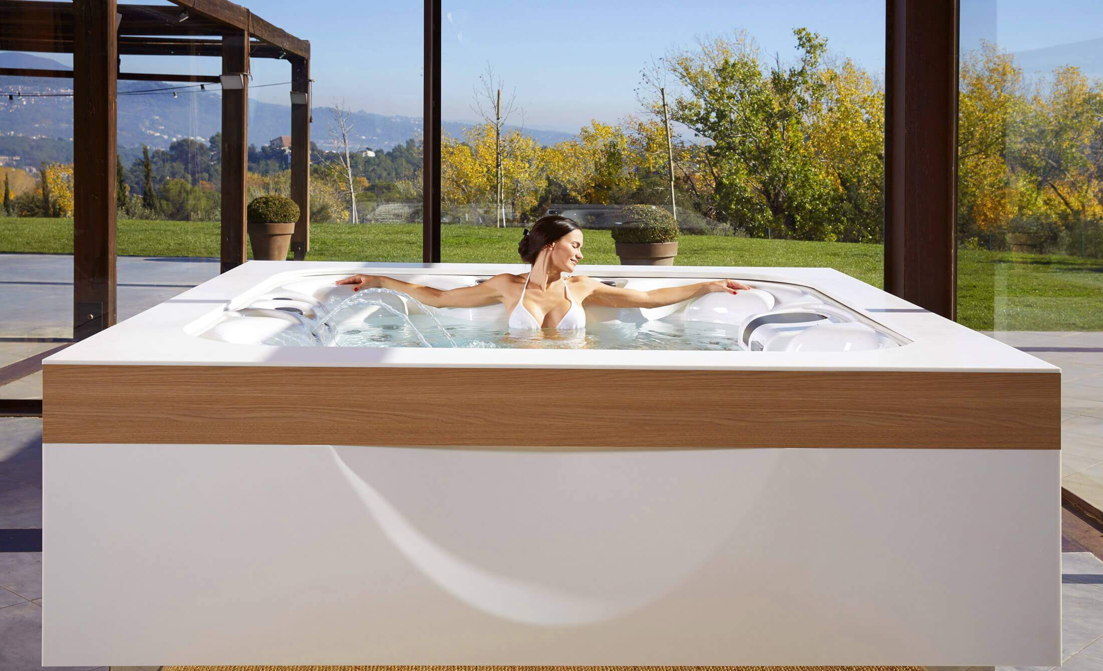 Spa Exterieur Tromso Spas Jacuzzis Et Spas De Nage Aquavia Spa France