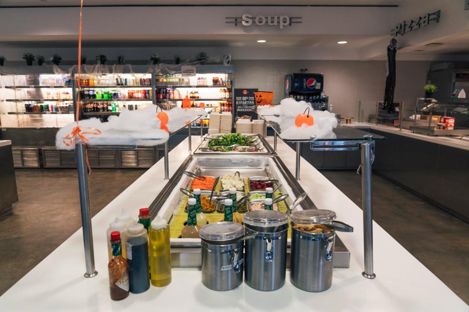Student group calls for boycott of Barnard dining halls amid food