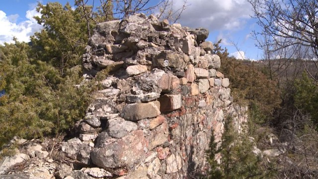 Part of the surviving walls of the medieval Christian monastery near Bulgaria's Dobromirtsi. Photo: bTV