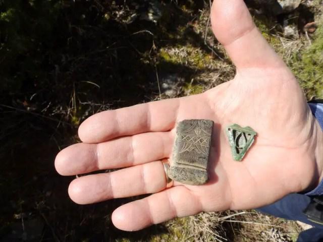Prof. Nikolay Ovcharov shows the newly found medieval Christian artifacts. Photo: Novinar daily
