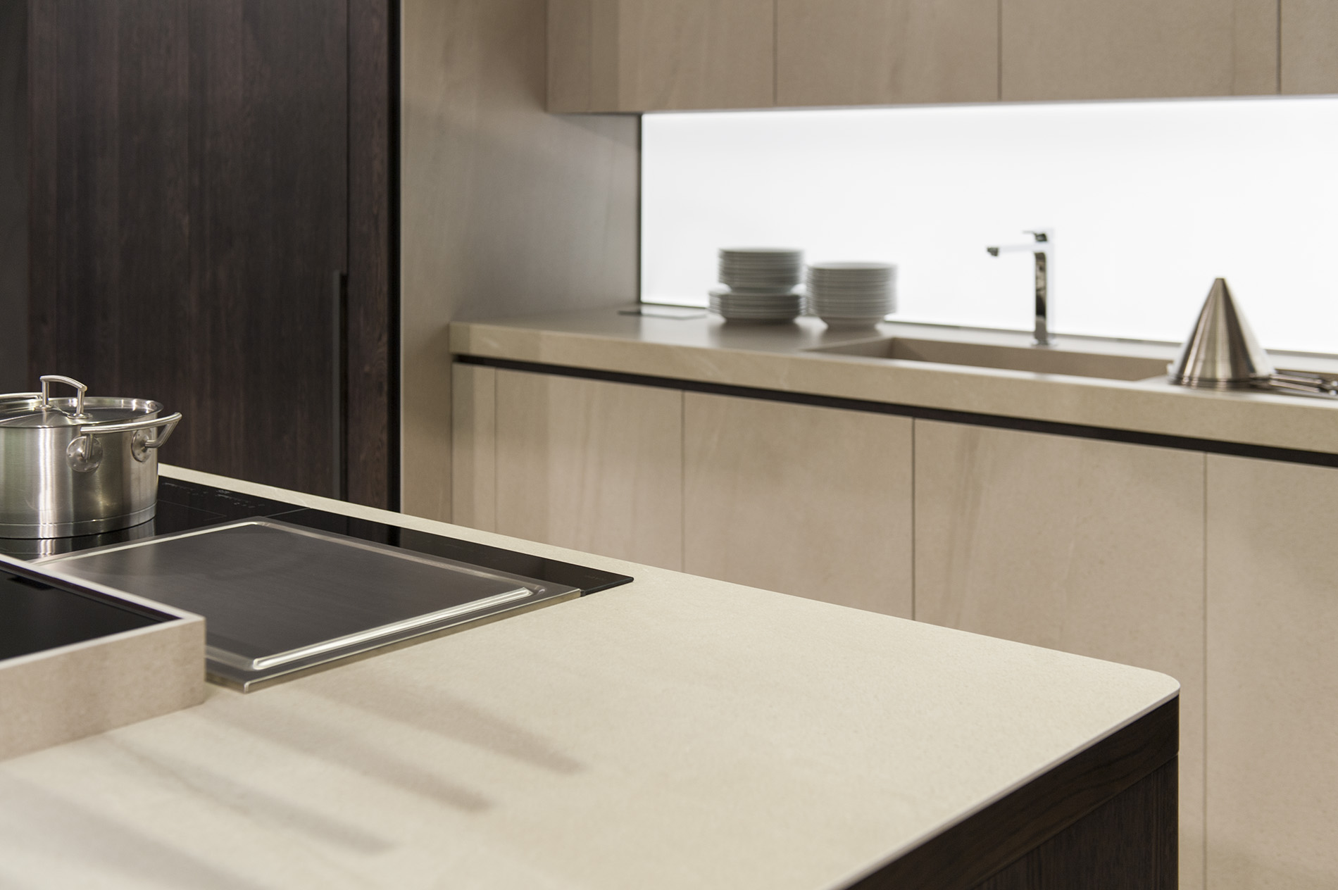 Porcelanosa Kitchen Cabinets Exclusive Kitchens Featuring Xtone Countertops Xtone Archello
