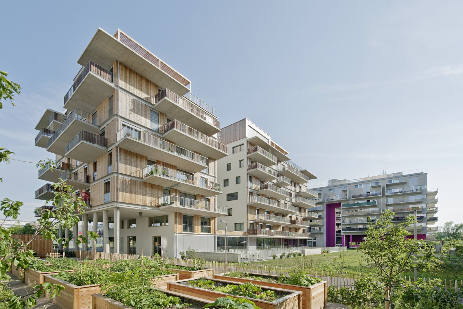 Architektur Rendering Wien Trace The History Of Alternative Housing In Together The New