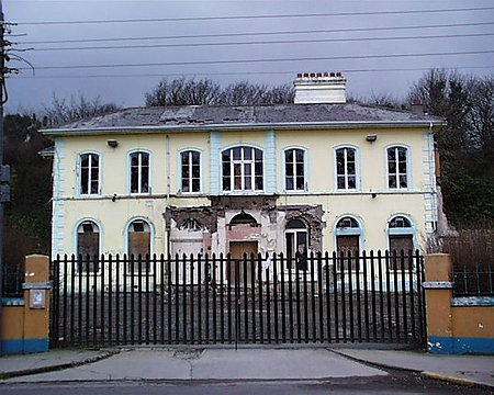 lawrence_house_lge
