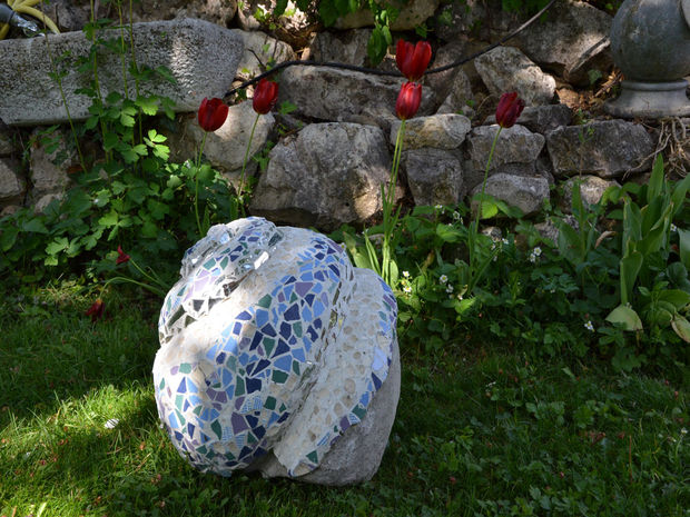 Keramik Kugel 21 Magnificent Diy Mosaic Garden Decorations For Your