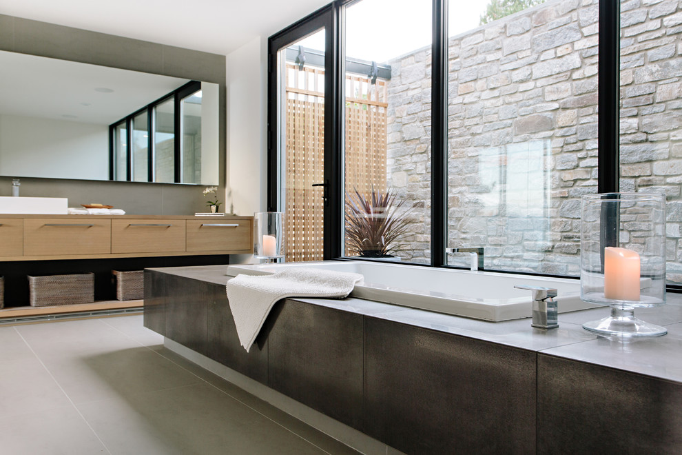 18 Sleek Modern Bathroom Designs You 39 Ll Fall In Love With
