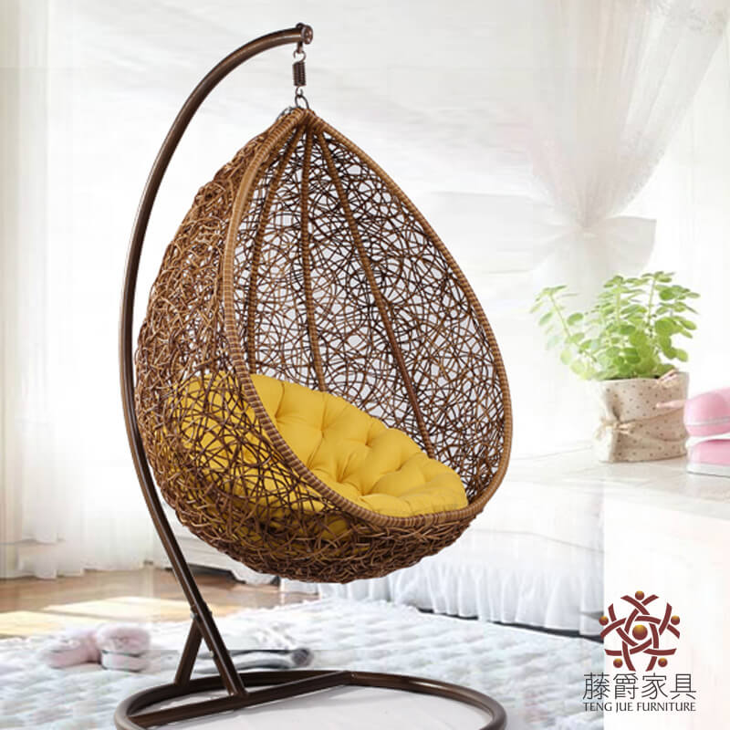 Rattan Schaukelstuhl 8 Stylish Hanging Chair Designs For Every Modern Home