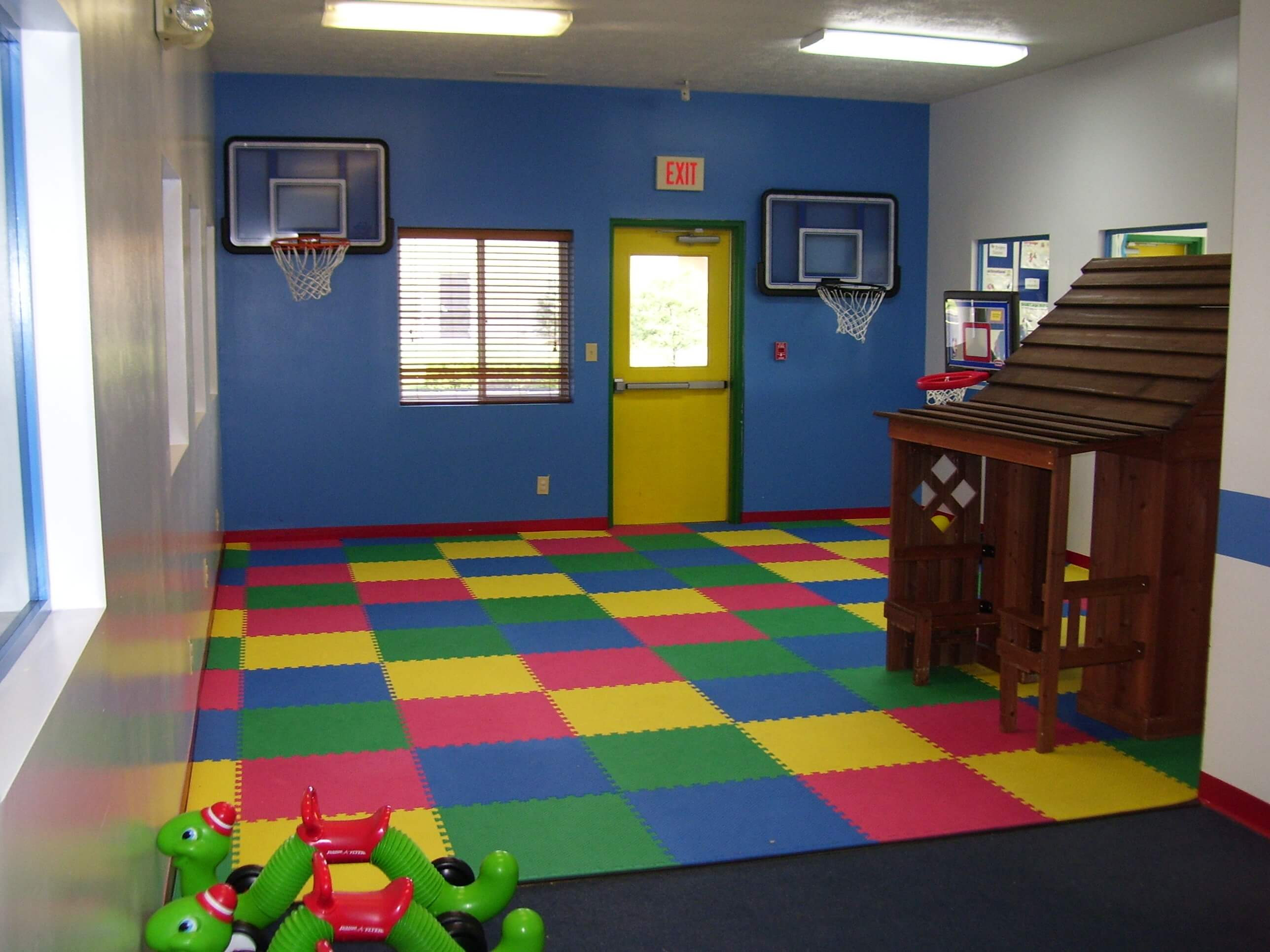 Best Paint Color For Playroom 12 Inspirational Ideas For Decorating Basketball Themed