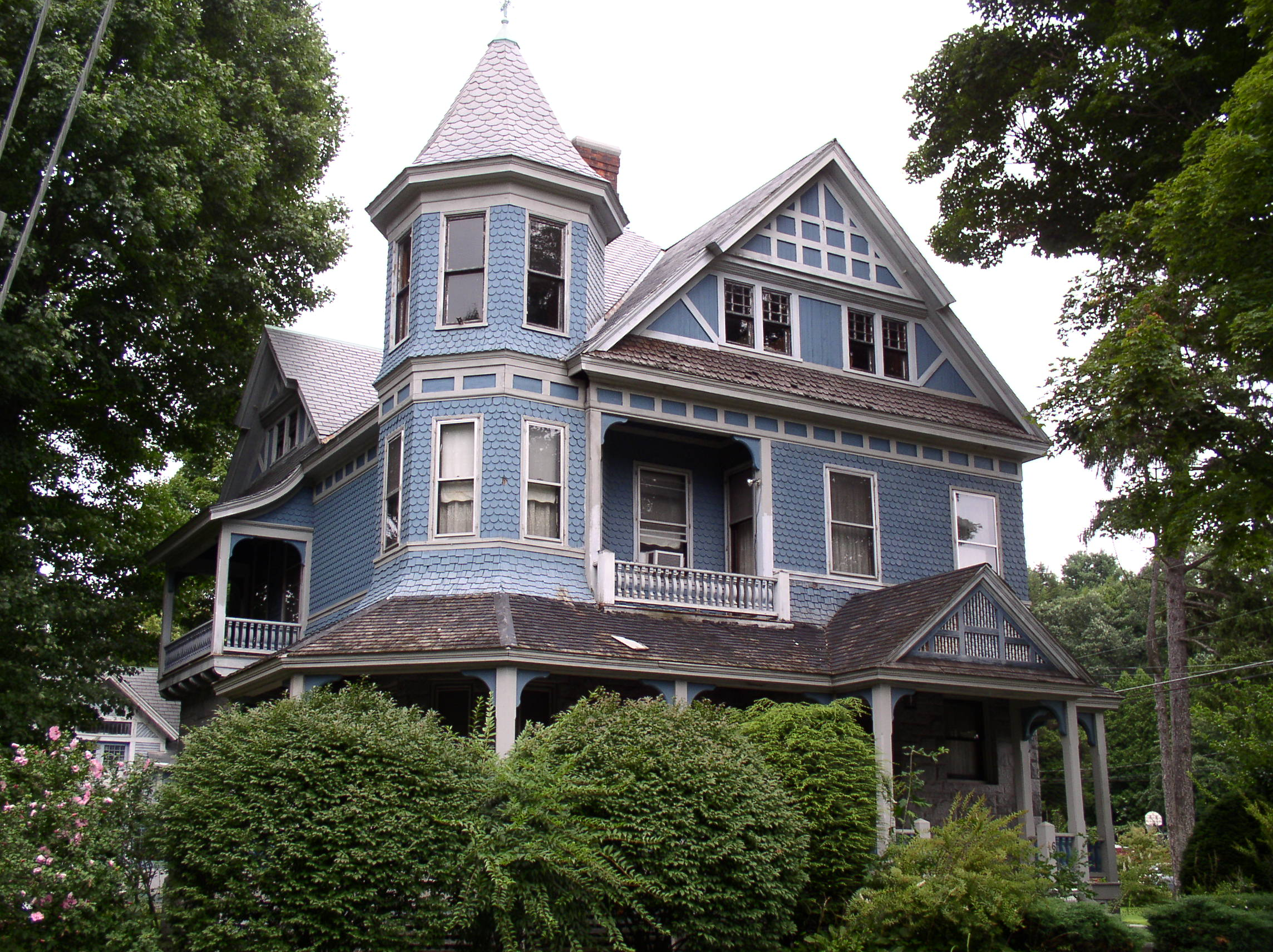 Victorian Farmhouse Architecture Queen Anne Style Victorian House