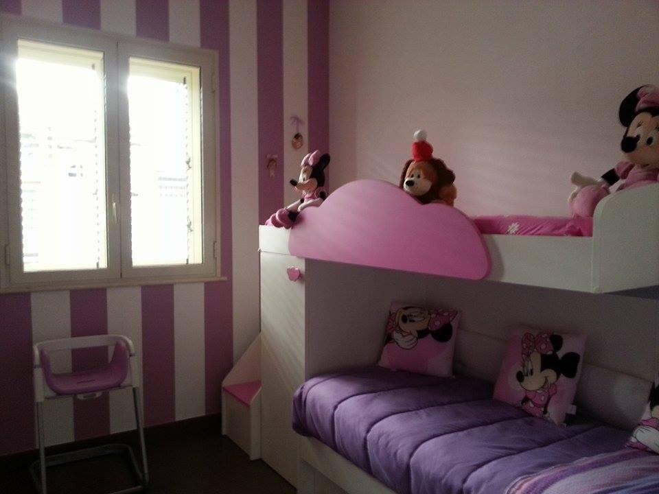 Pareti Viola E Lilla : Cameretta lilla e bianca cameretta moderna con cabina armadio