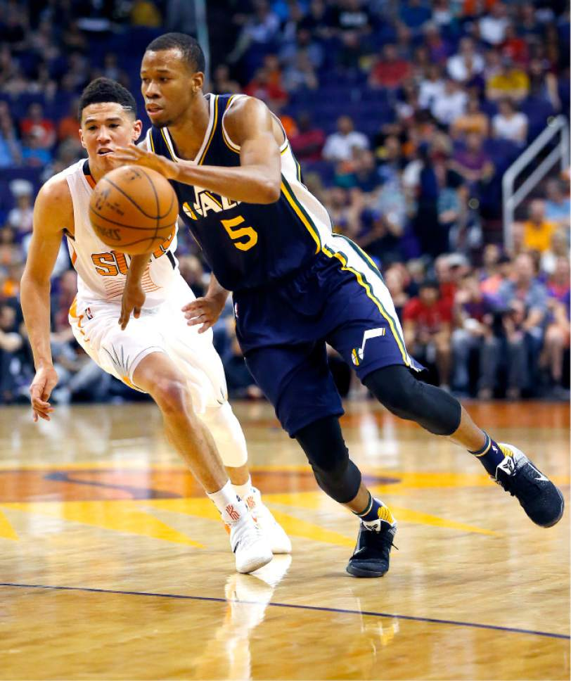 Utah Jazz now have depth, but can they find time for everybody