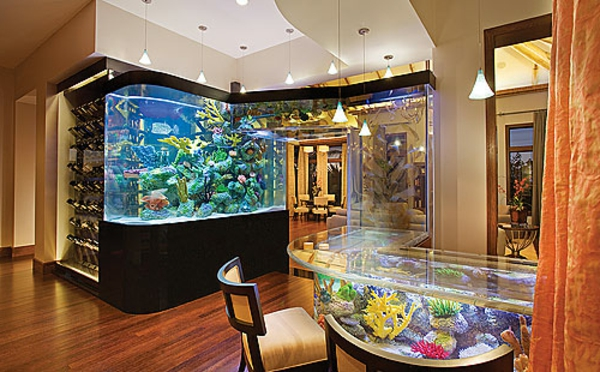 Tres Grand De Salon La Décoration Avec Un Meuble Aquarium - Archzine.fr
