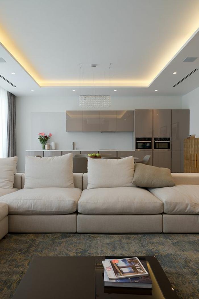 eclairage-idirect-salon-avec-meubles-beiges-joli-salon-moderne - moderne wohnzimmer decken