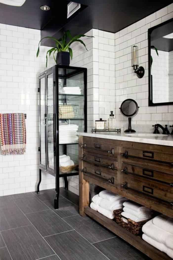 BECKI OWENS- 25 Fresh Farmhouse Bathrooms Home Decor that I love - salle de bain meuble noir