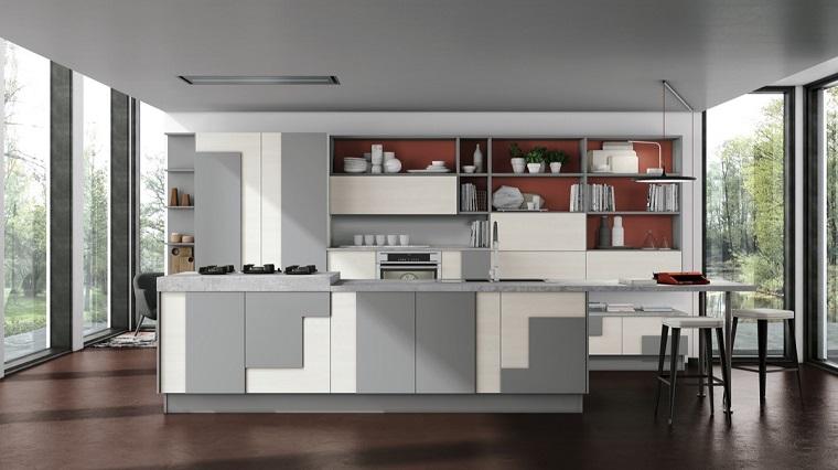 Cucina Bianca E Legno Scuro