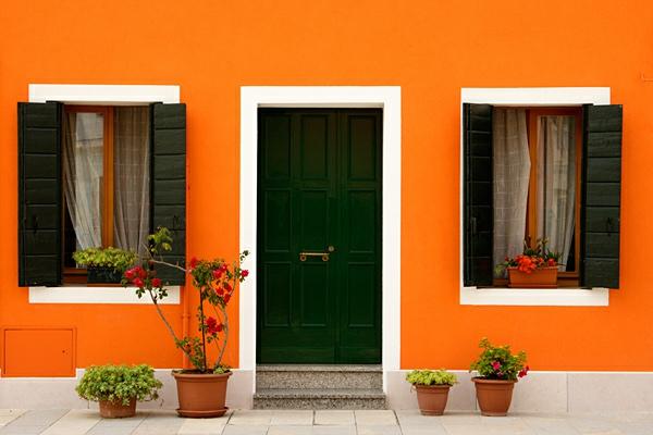 Hausfassade Farbe 65 Ganz Gute Vorschläge!   Archzinenet   Fassadenfarbe  Gelb Orange