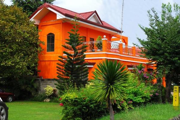 Archzinenet   Fassadenfarbe Gelb Orange ...
