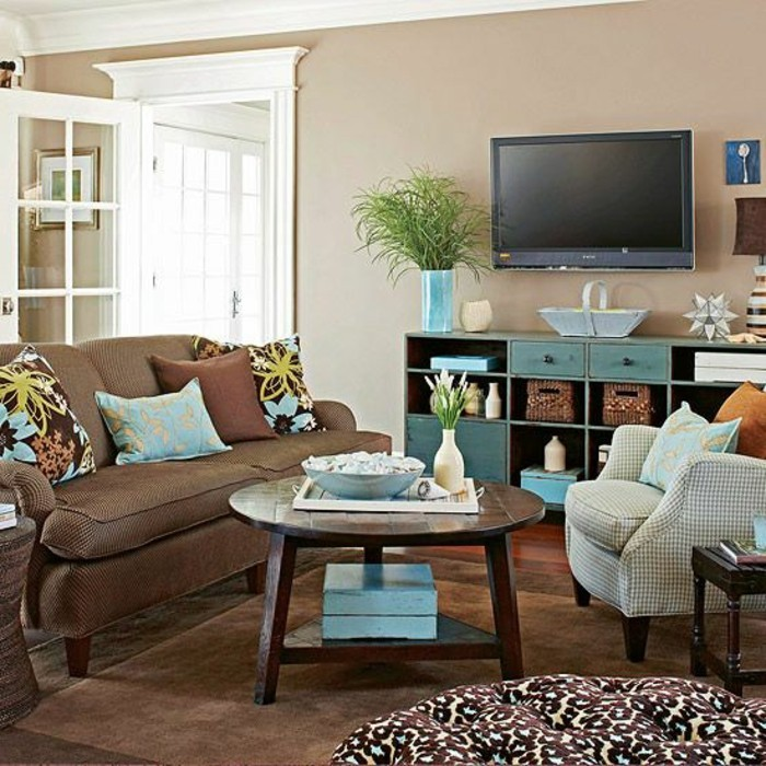 Ein Wohnzimmer in braun wirkt einladend und wohnlich - wohnzimmer beige blau