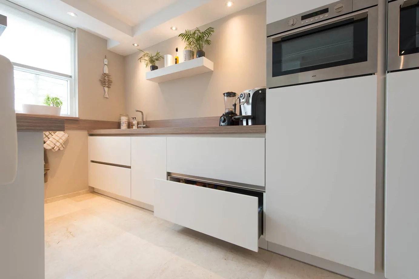 Verlichting Boven Aanrechtblad : Verlichting boven aanrechtblad aantal spotjes in woonkamer met