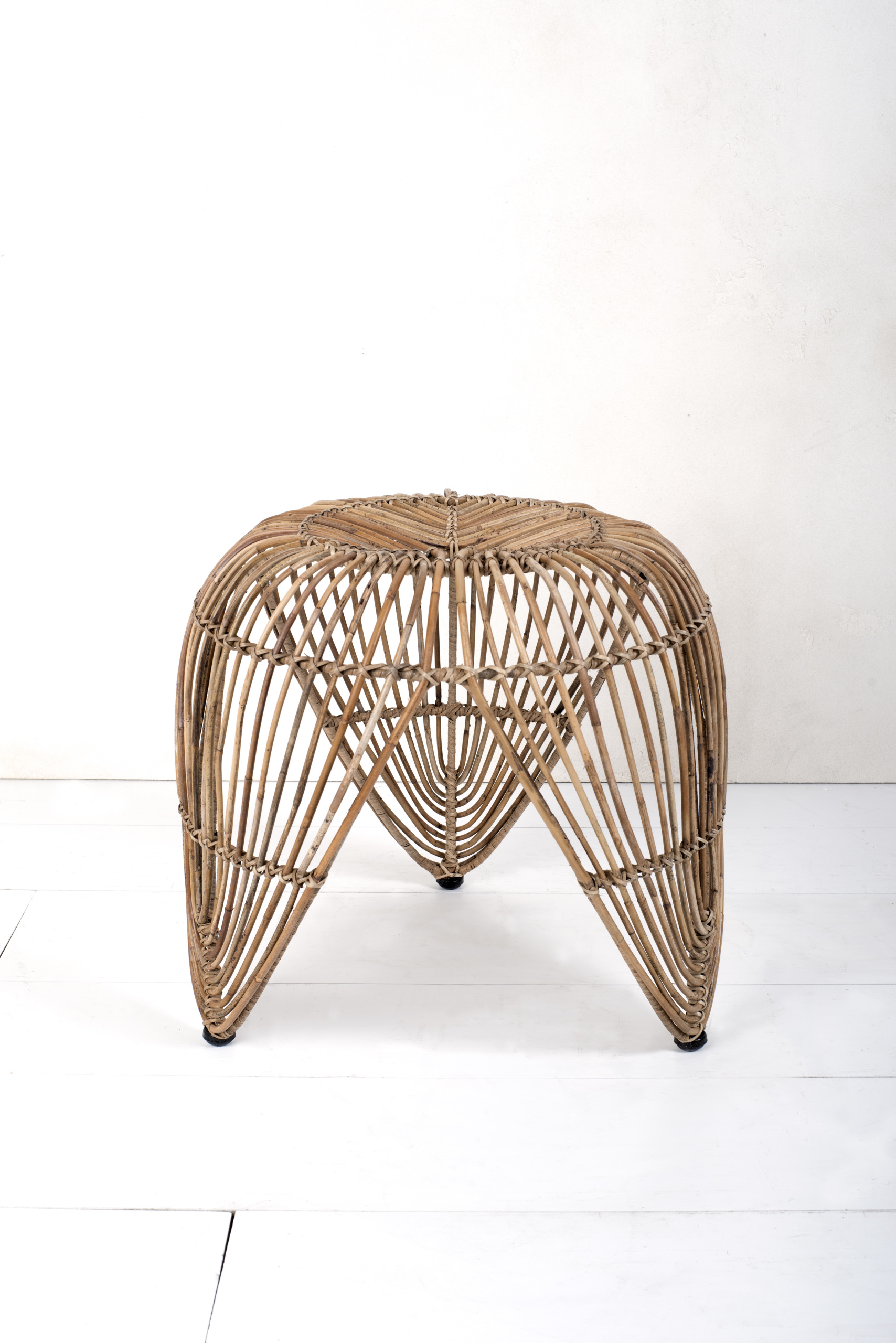 Rattan Table Lotus Rattan Table T037