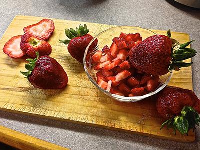 strawberriesCut
