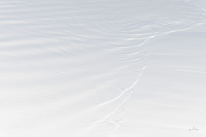 Black And White Wallpaper Hd The Surface Of White Water Minimalism ≪ Arha