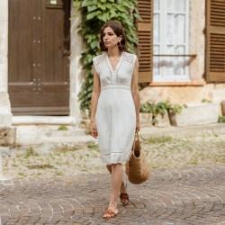 Tempting Summer Little Dress Stella Forest Zara Slides Straw Bag Aria Di Bari French Street Style Fashion Blogger Saint Tropez Broderie Anglaise 3