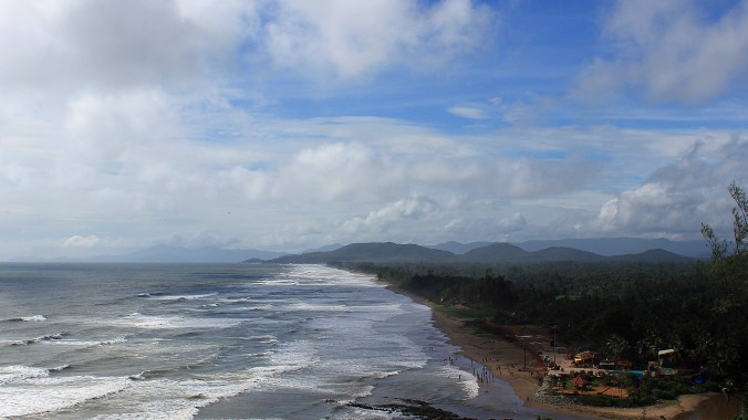 Stay in Gokarna 2016. The view down to Gokarna Beach from Zostel Gokarna with hills in the horizon.