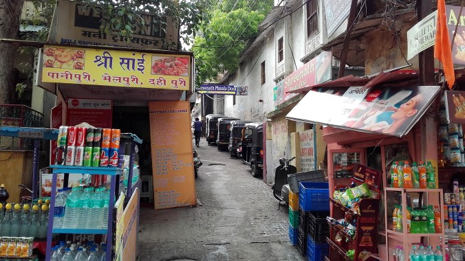 My noble mission in Udaipur led me to a narrow alley close to the City Fort.