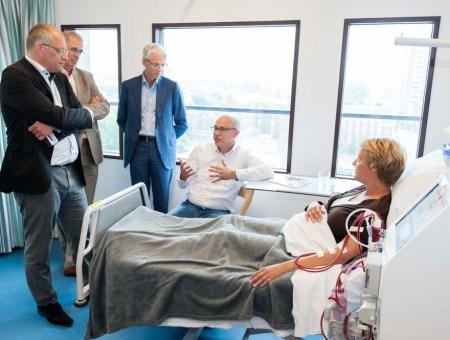 Bezoek VWS aan LUMC Dialyse afdeling