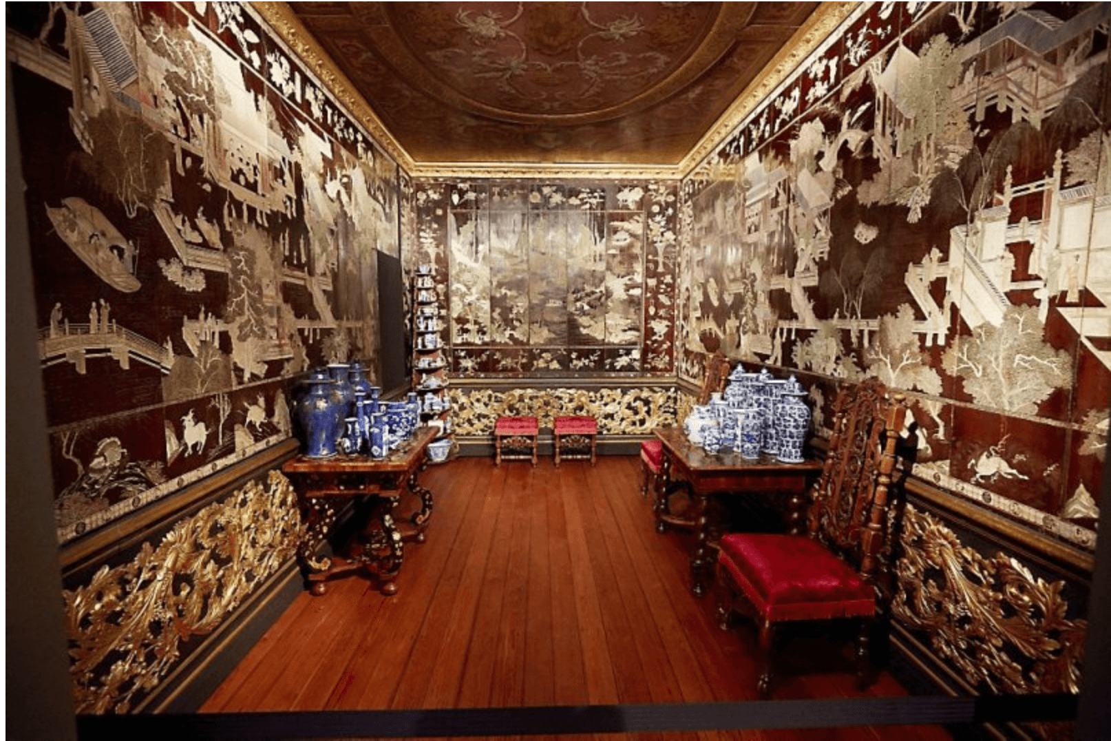 Hollands Interieur Delftware In The Royal Interior Aronson Antiquairs