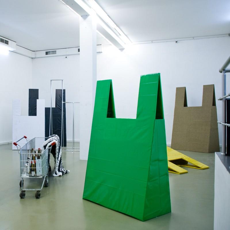 Александр Повзнер, Ушел в магазин буду через 5 мин, фрагмент экспозиции в Галерее XL, 26 апреля — 6 июня, 2013
