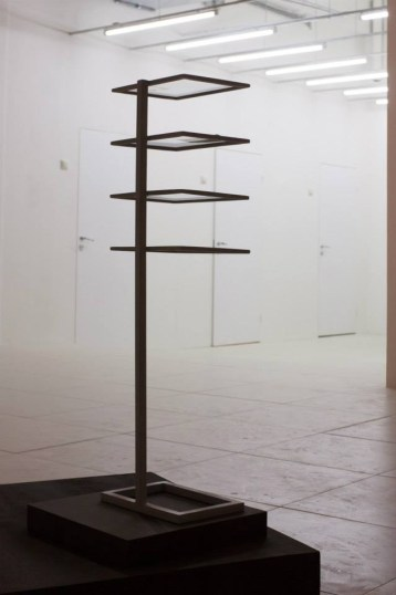 Работа Юлии Ивашкиной, «Игра света», Галерея «21», Москва, 2013 // Фото: галерея «21»