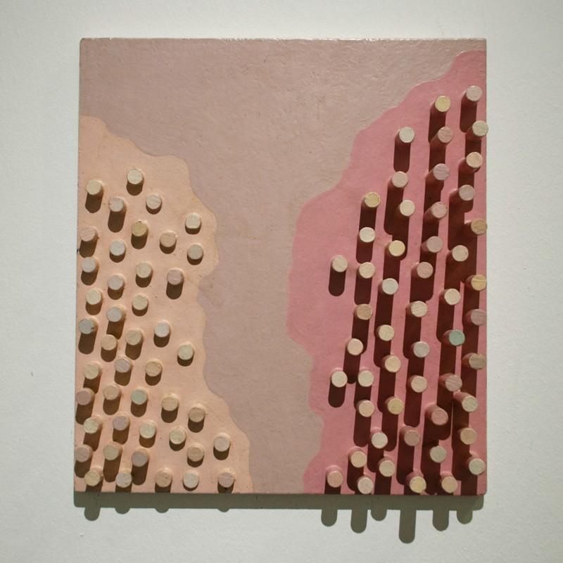 Розовый рельеф. 1977. Дерево, масло. Собственность автора