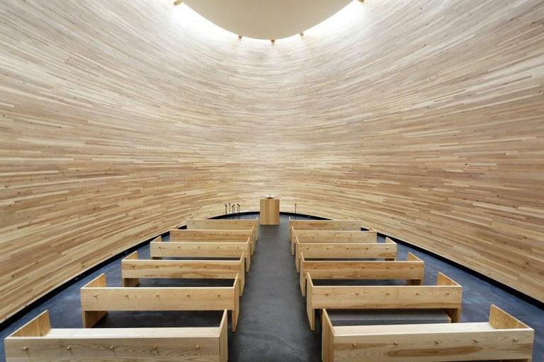 Внутреннее пространство Kampin Kappeli // Фото: nordicdesign.ru