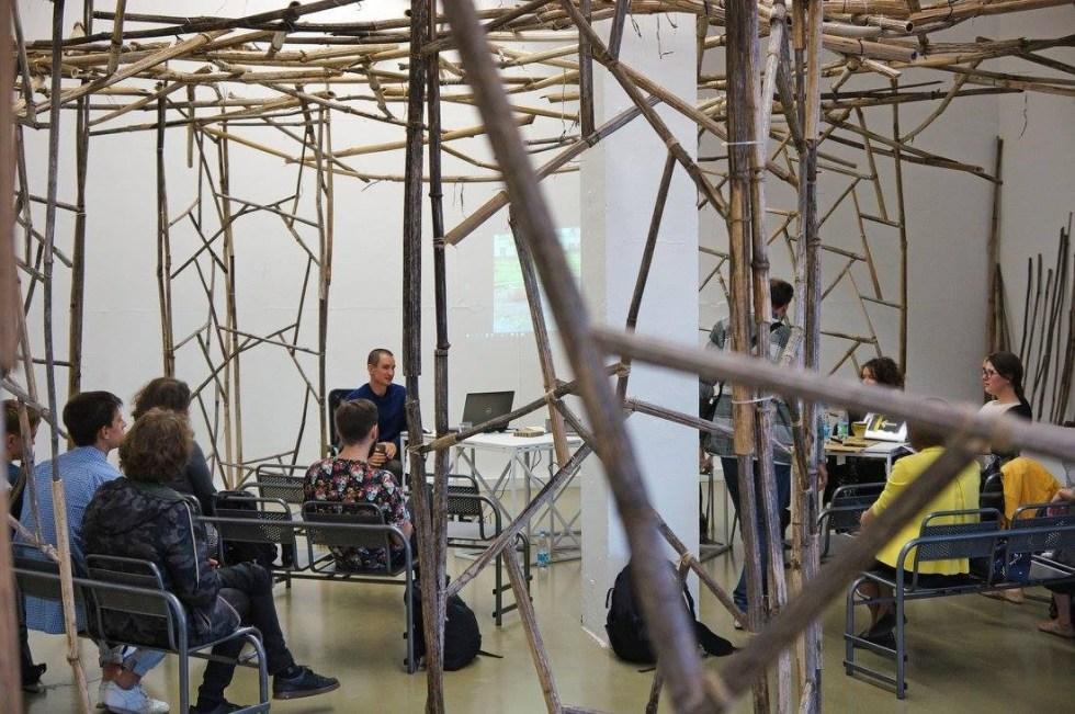 Дискуссия в рамках выставки Алексея Булдакова «Дарящие надежду». Москва, Галерея XL, 14.06.2016 // Фото: Галерея XL