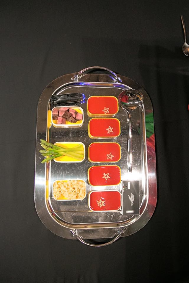 futurist-supper-12