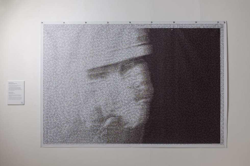 Александр Минченко. Живя аналоговой жизнью. Печать на баннере. 220 x 148 cm. 2017-2018