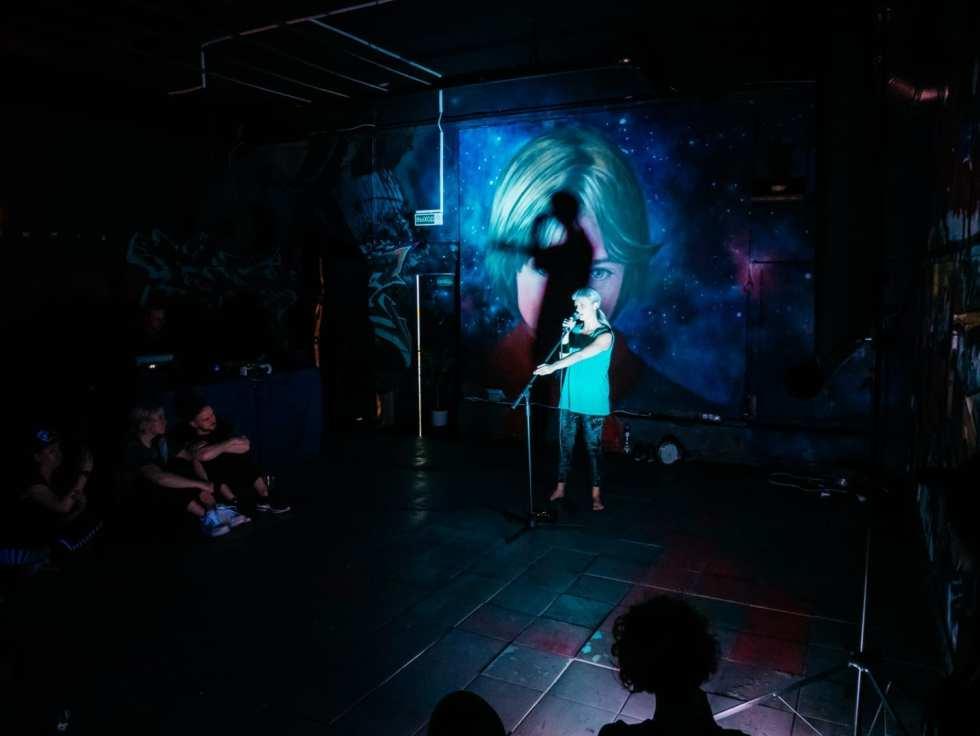 Кара Толми. Перформанс«Syring». Фото Николая Спесивцева