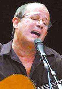 Silvio, es un trovador comprometido con la revolución cubana.