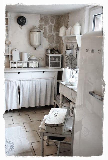 Segreti per arredare la tua cucina in stile shabby spendendo poco
