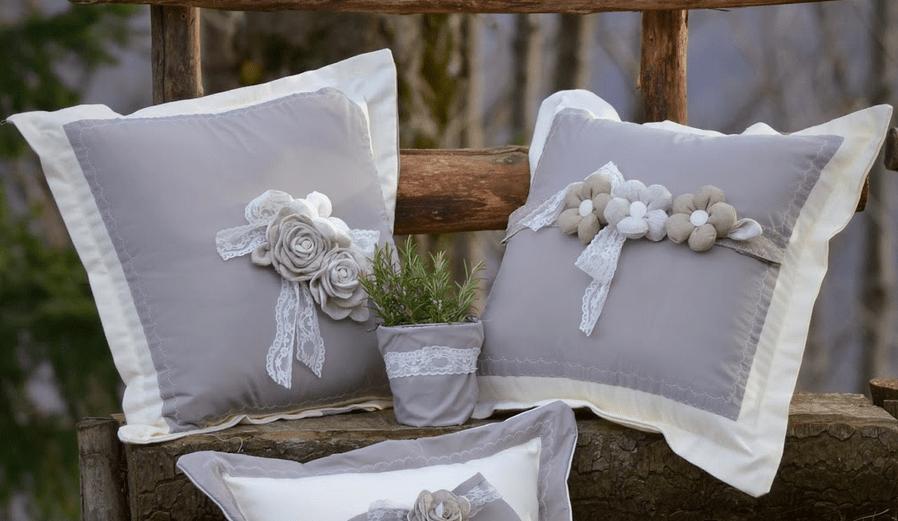 I consigli per scegliere cuscini country chic adatti alla - Federe cuscini divano ...