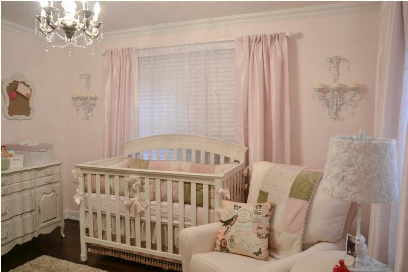 Sei idee per decorare la cameretta del neonato
