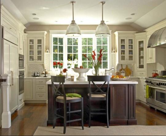 Segreti per arredare la tua cucina in stile shabby - Cucina rustica con isola ...
