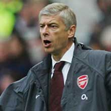 Arsene Wenger has reportedly signed a new contract
