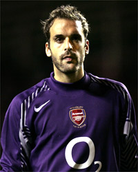 Almunia should be Arsenal's first choice on current form