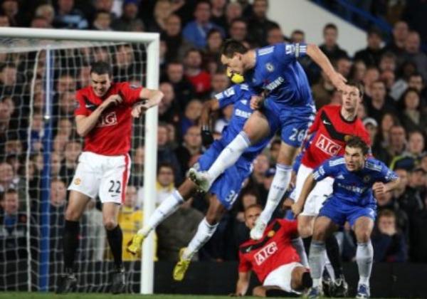 Terry heads home Chelsea's winner